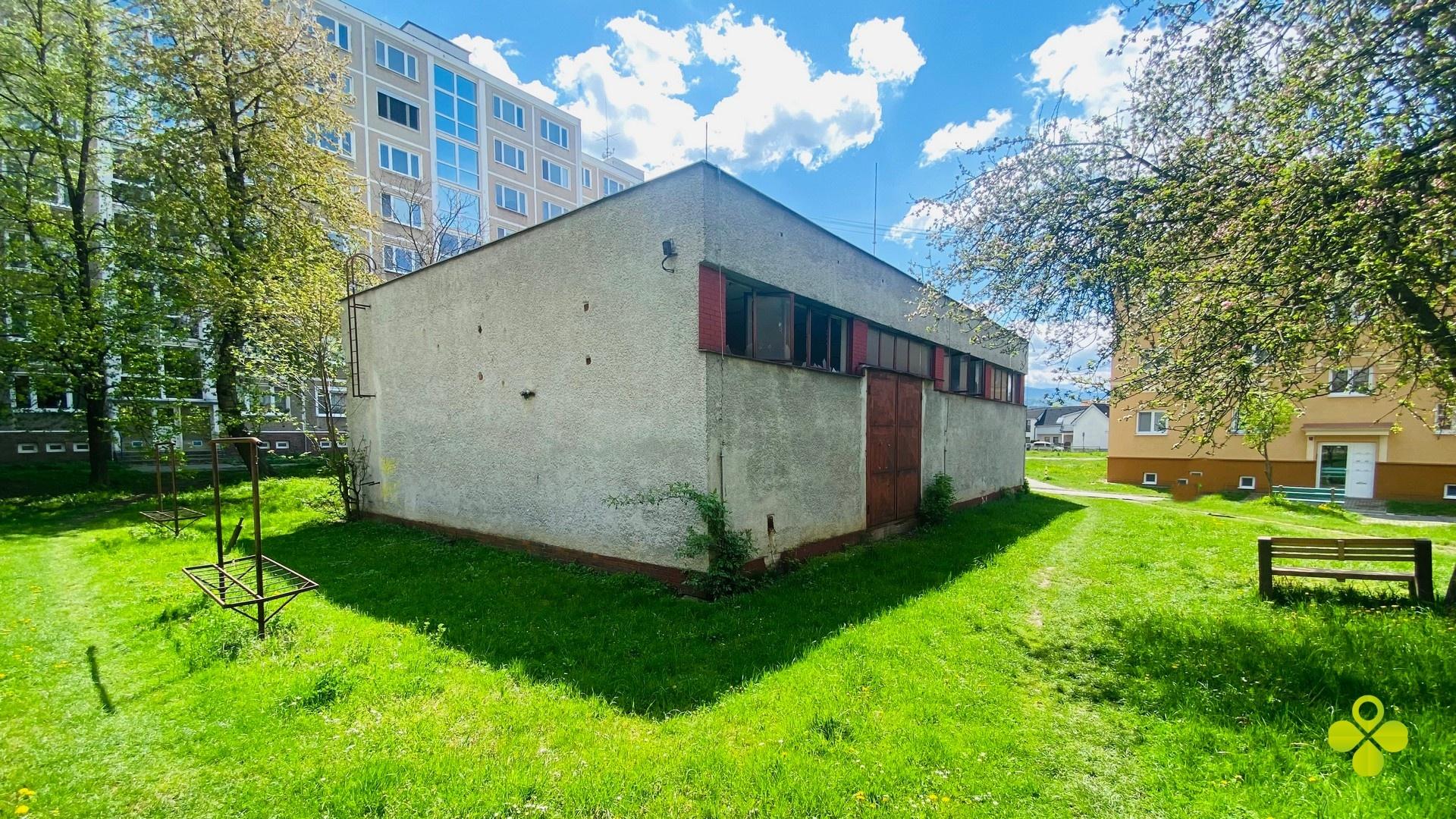 Polyfunkčná budova Prievidza Dlhá ulica 296 m2