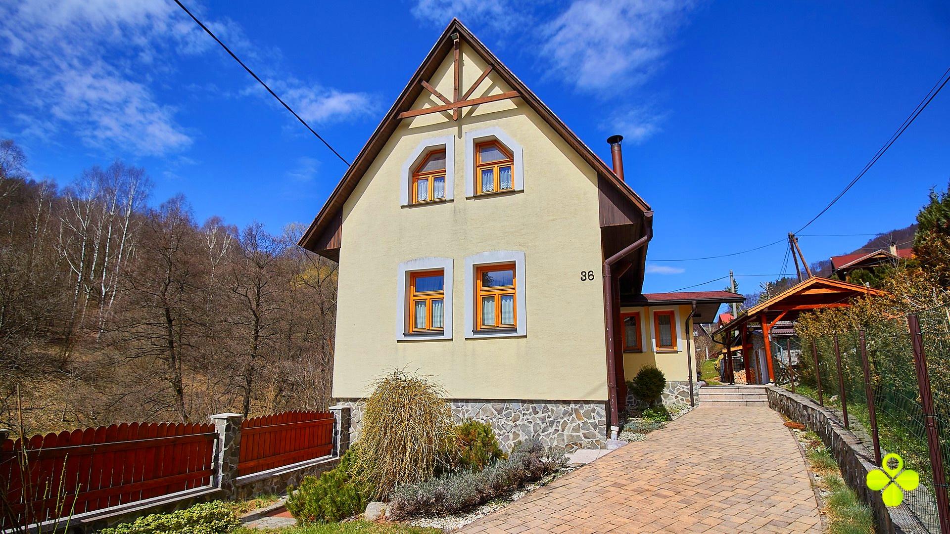 PREDANÉ – Exkluzívna chata Chvojnica okres Prievidza pozemok 920 m2